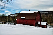 Red Barn In The Snow Print by Bill Cannon