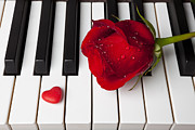 Keyboards Prints - Red rose and candy heart Print by Garry Gay