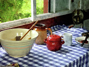 Tablecloth Art - Red Sugar Bowl by Susan Savad