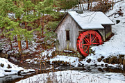 Shack Photos - Red Wheel by Evelina Kremsdorf