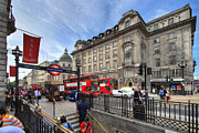 Busy City Photos - Regent Street - London by Yhun Suarez