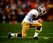 Tebowing Photo Framed Prints - RG3 - Tebowing Framed Print by Paul Ward