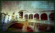 Towns Digital Art - Rialto Bridge  Ponte di Rialto by Monica Ghit