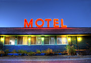 Small Town America Framed Prints - Roadside Motel Neon Sign Framed Print by Bill Hinton Photography