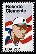 Roberto Photo Framed Prints - Roberto Clemente Framed Print by Granger