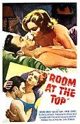 Signoret Photo Framed Prints - Room At The Top, Simone Signoret Framed Print by Everett