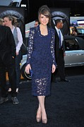 Long Sleeved Dress Photo Posters - Rose Byrne Wearing A Marc Jacobs Dress Poster by Everett