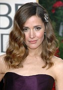 Hair Accessory Metal Prints - Rose Byrne Wearing A Neil Lane Brooch Metal Print by Everett