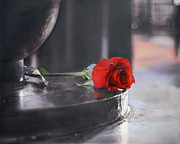 Photorealistic Prints - Rose in New York Print by Peter Polyak
