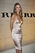 Fragrance Prints - Rosie Huntington-whiteley At Arrivals Print by Everett