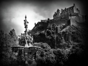 Edinburgh Art - Ross Fountain in bw by Amanda Finan