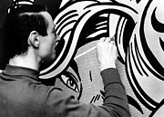 Lichtenstein Photos - Roy Lichtenstein, 1965 by Everett
