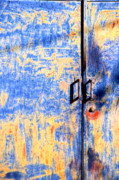 Silvia Ganora - Rusted blue and yellow door