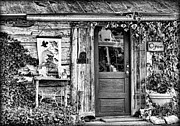 Window Signs Art - Salado Log Cabin BW by Linda Phelps