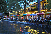 Riverwalk Photos - San Antonio Riverwalk by David Dittmann