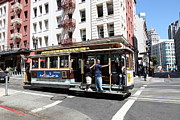 Trollies Photos - San Francisco Cable Car on Powell Street - 5D17957 by Wingsdomain Art and Photography