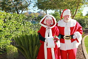 Arizonia Photos - Santa and Mrs Claus by Nora Kovach