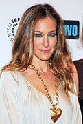 Gold Necklace Prints - Sarah Jessica Parker At Arrivals Print by Everett