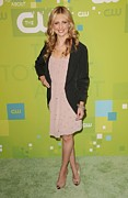 Upfronts Tv Television Network Presentation Posters - Sarah Michelle Gellar Wearing A Rebecca Poster by Everett