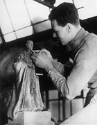 King George Vi Framed Prints - Sculptor Changing The Head Of A Statue Framed Print by Everett