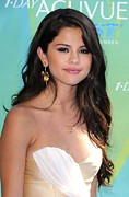 Gold Necklace Prints - Selena Gomez At Arrivals For 2011 Teen Print by Everett