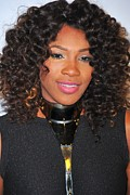 Serena Williams Framed Prints - Serena Williams At Arrivals For Keep Framed Print by Everett