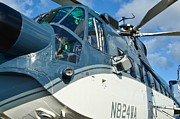 Lynda Dawson-youngclaus Photo Metal Prints - Sikorsky S-61N Metal Print by Lynda Dawson-Youngclaus