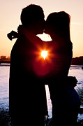 Embracing Prints - Silhouette of Romantic Couple Print by Cindy Singleton