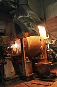 Precious Metal Art - Smelting Precious Metal Ores by Ria Novosti