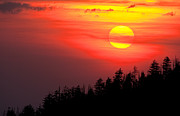 Gsmnp Photos - Smoky Mountain Sunset by Richard Siggins