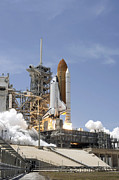 Space Shuttle Atlantis Twin Solid Print by Stocktrek Images