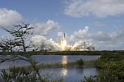Spaceflight Art - Space Shuttle Discovery Liftoff by Stocktrek Images