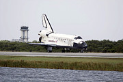 Control Towers Prints - Space Shuttle Discovery On The Runway Print by Stocktrek Images