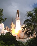 Space Shuttle Endeavour Prints - Space Shuttle Endeavour Launch Print by Everett
