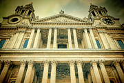 Wren Art - St Pauls Standing by Joan Carroll