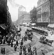 Crowd Scene Metal Prints - State Street - Chicago Illinois - c 1893 Metal Print by International  Images