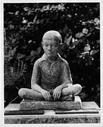 Statue Of Louis Braille In Bermudas Print by Everett