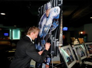 Www.sportsartworldwide.com  Paintings - STEVEN STAMKOS Signing the original painting by Sports Art World Wide John Prince