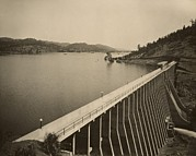 Large Scale Photo Prints - Stony Gorge Dam In Northern California Print by Everett