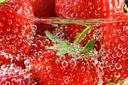 Simon Bratt Photography LRPS - Strawberries in water close up