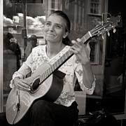 Street Guitarist Print by Dale Davis