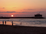 7 Photos - Sunset at Dubai Public Beach by Graham Taylor