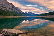 James Steinberg and Photo Researchers - Sunset over Medicine Lake