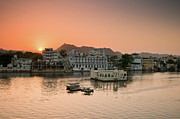 Built Structure Art - Sunset Over Pichola Lake In Udaipur. by Ania Blazejewska
