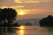 Susquehanna River Photos - Sunset Over The Susquehanna River by Raymond Gehman