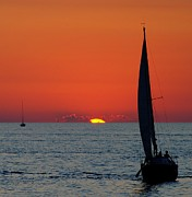 Rudder Art - Sunset Sailing by Robert Harmon