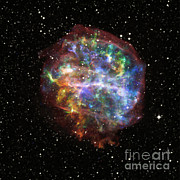 Pulsar Prints - Supernova Remnant G292.0+1.8 Print by Nasa