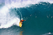 Waves Art - Surfing at Banzai Pipeline by Paul Topp