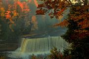 Matthew Winn - Tahquamenon Falls in Autumn