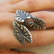 Plant Jewelry - Taro Ring by Teresa Arana